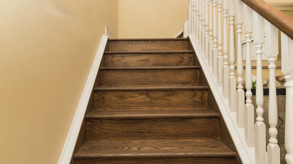 You Want To Install Hardwood On Stairs, How To Do Hardwood Flooring On Stairs
